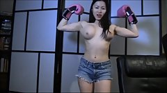 Boxing Siren (with face sit)