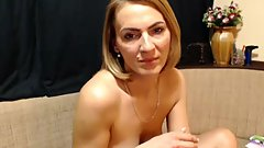 Cougar Sexy Mommy Masturbate On Web Cam