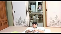 媽媽幫兒子解壓力- 1 Japanese Step  Mom help son release stress - 1