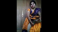 INDIAN BEAUTIFUL BHABHI INSERTING Cucumber IN HER PUSSY