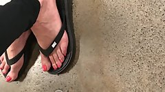 Candid milfs feet at fred meyers