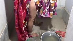 desi bhabhi with husband in bathroom