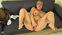 Hot curvy housewife Danielle fingering herself)